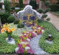 Ландшафтный дизайн при благоустройстве могил на кладбище - 19