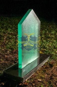 Надгробные памятники из стекла модель 025Мемориал