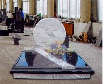 Эксклюзивные надгробные памятники модель 047Мемориал