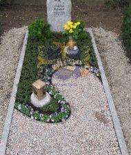 Ландшафтный дизайн при благоустройстве могил на кладбище - 39