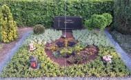 Ландшафтный дизайн при благоустройстве могил на кладбище - 42
