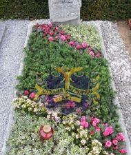 Ландшафтный дизайн при благоустройстве могил на кладбище - 44