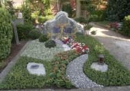 Ландшафтный дизайн при благоустройстве могил на кладбище - 49