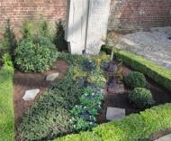 Ландшафтный дизайн при благоустройстве могил на кладбище - 50
