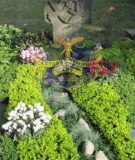 Ландшафтный дизайн при благоустройстве могил на кладбище - 61