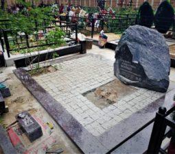Памятники — Валуны - 016